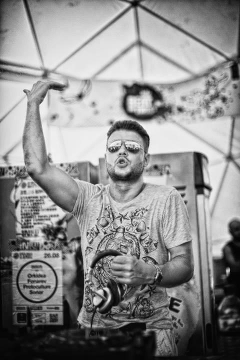 DJ Michael Demos
