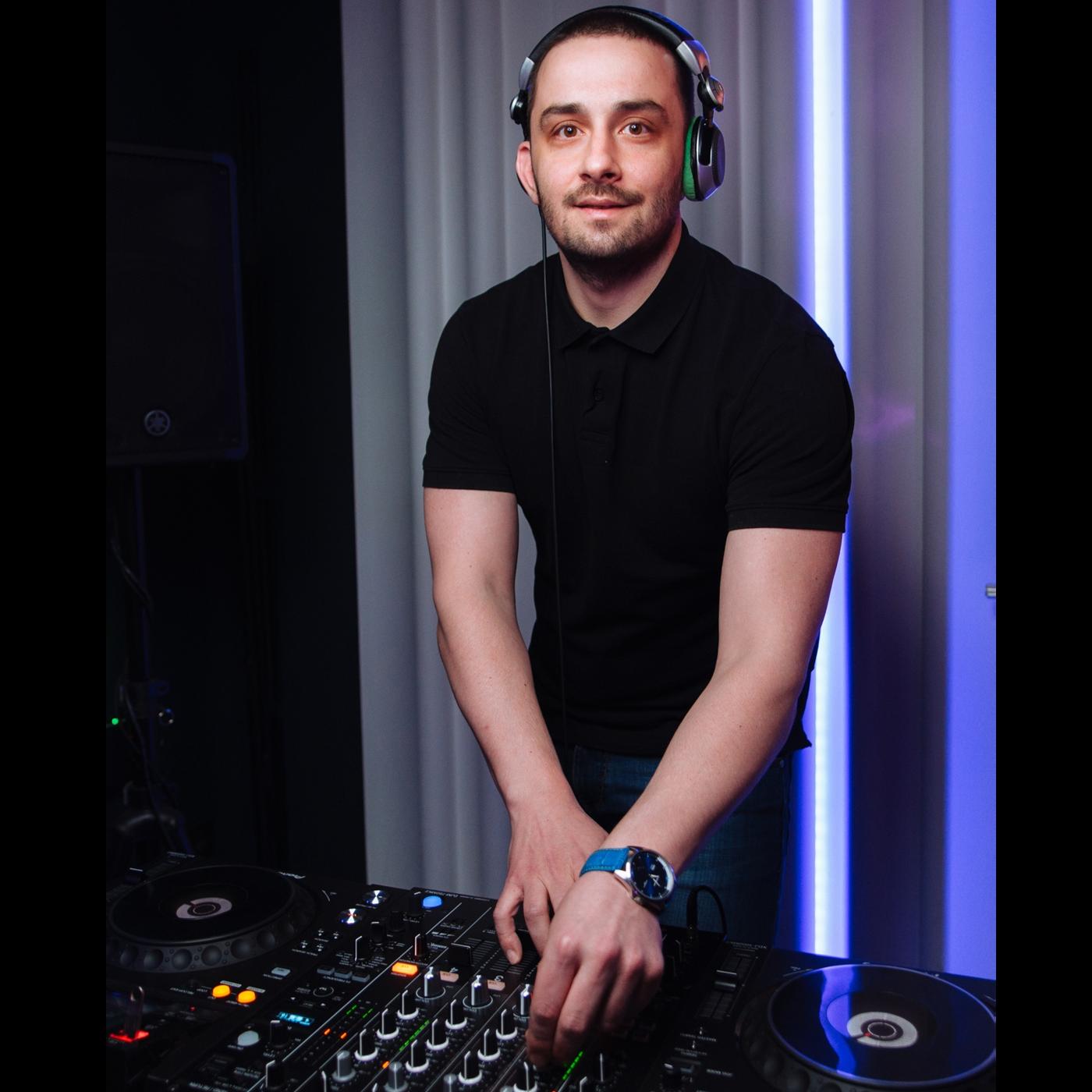 DJ Sam Martin