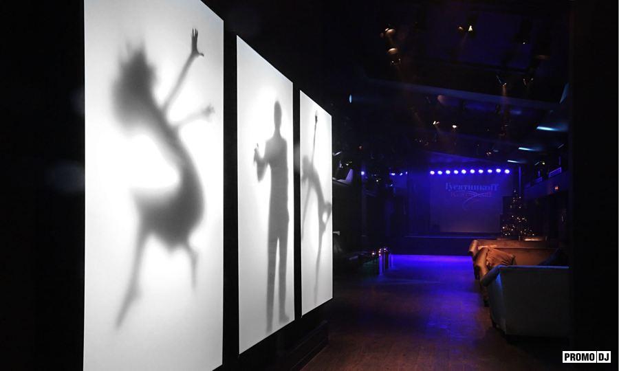 Фото куни в ночном клубе 22 фотография