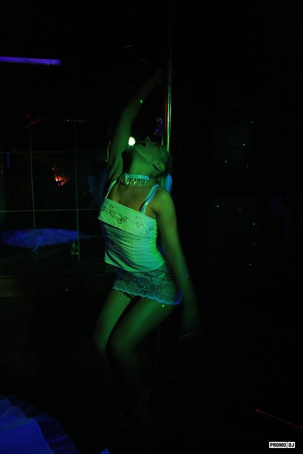 фото из клубов без обработки маленьких девочек
