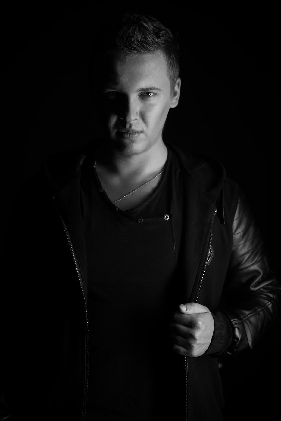 DJ ZARUBIN