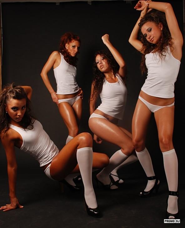 Танцевальные коллективы девушек в белом нижнем белье, фото парней после анала